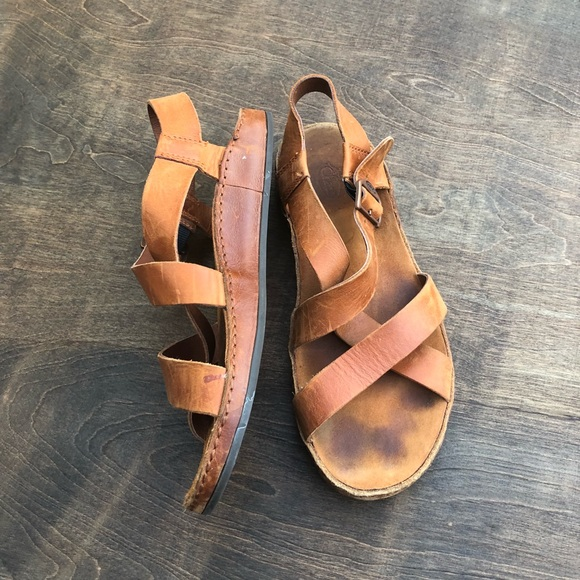 86a2082af9d Chaco Shoes - Chaco Wayfarer leather sandals brown size 8